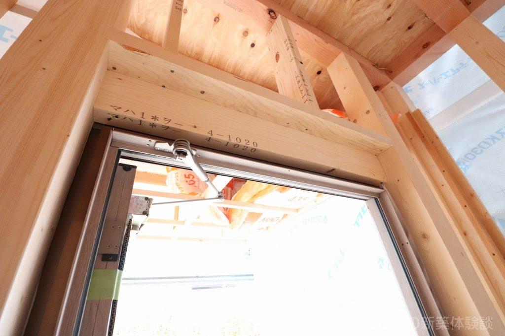 木造新築工事の玄関ドア