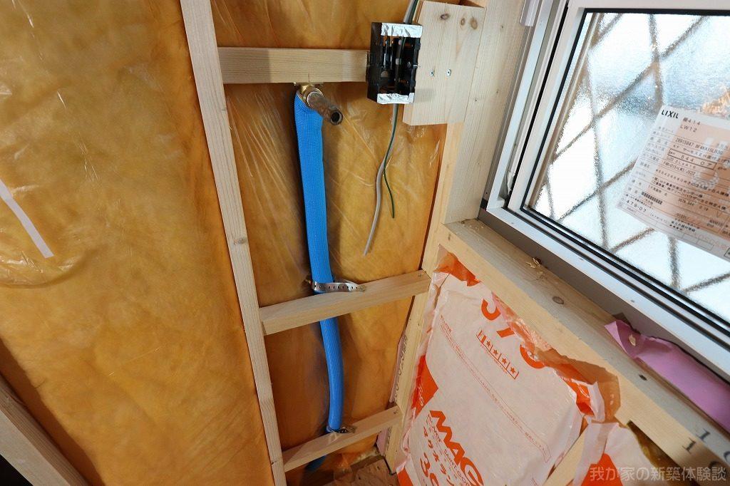 木造新築工事の給排水菅