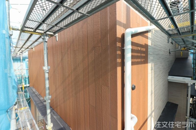 木造新築工事の雨樋(軒樋・竪樋)取付工事