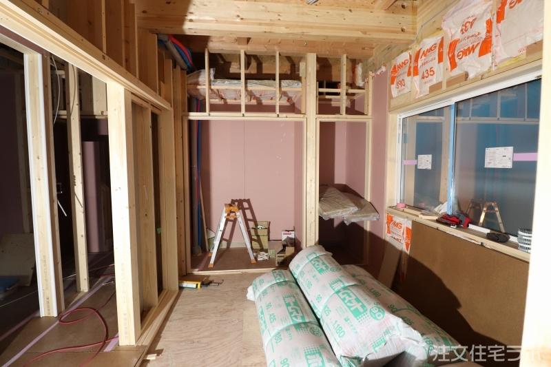 木造新築工事の建具工事