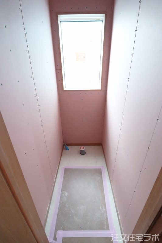 木造新築工事のトイレ造作