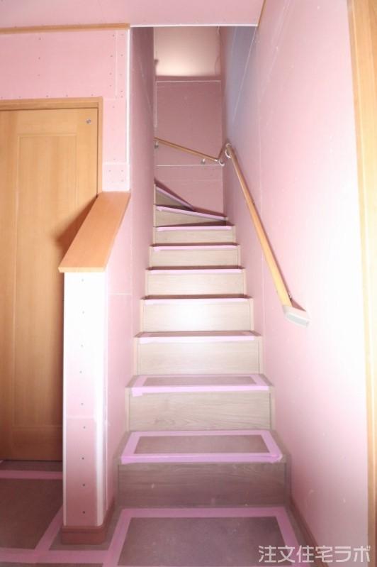 木造新築工事の階段造作