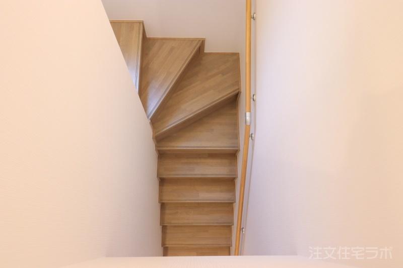 新築住宅引渡し 階段